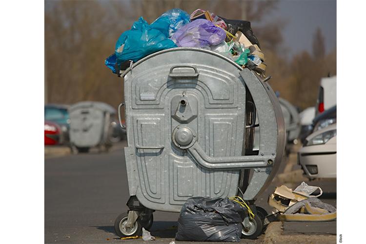 Hoeveel premiums einidgen bij het vuilnis?