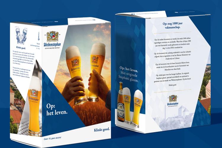 Glazen bij bier van 's werelds oudste brouwerij Weihenstephan pack